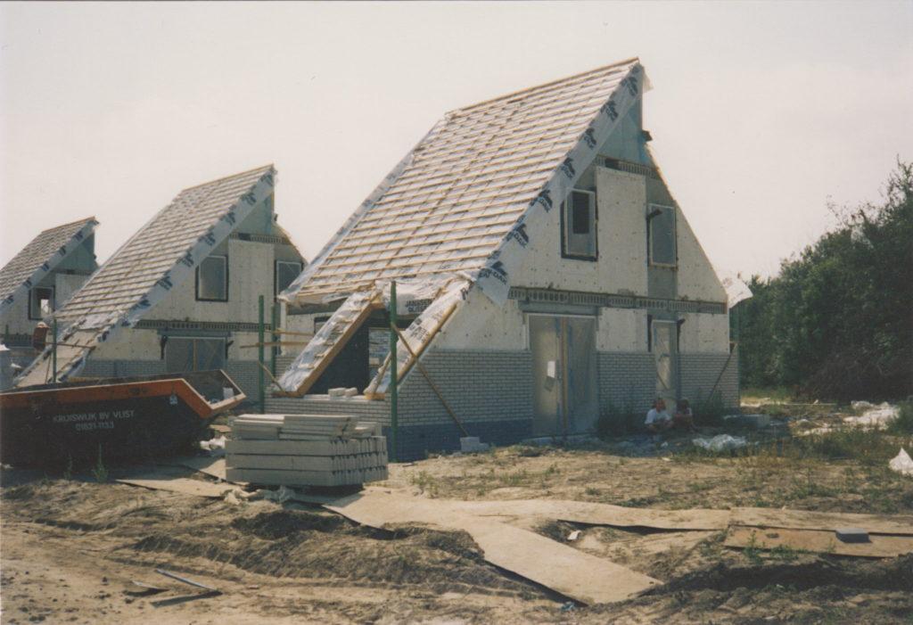 Rohbau Ferienhaus mit Dacheindeckung